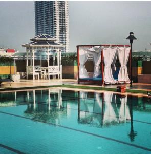 Evergreen Place Pool - travel.joogo.sg